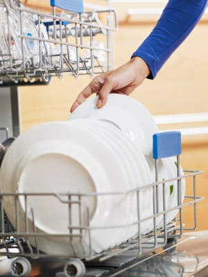 3 Tips to Keep Your Dishwasher Running Well