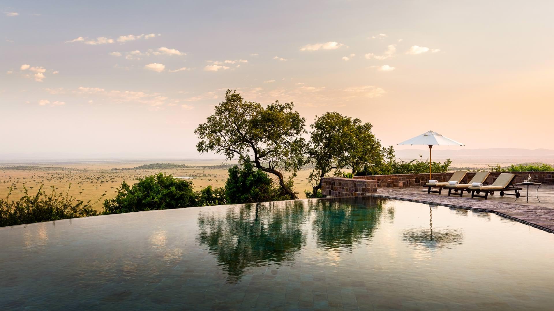 Infinity pool at Sasakwa lodge