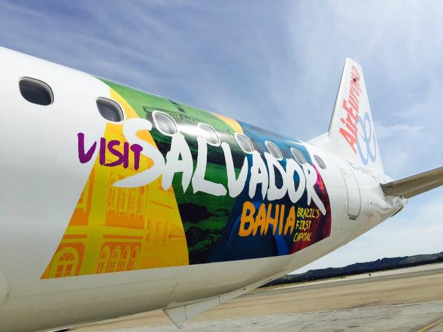 Marca-de-Salvador_estampa-aviao-da_Air-Europa01