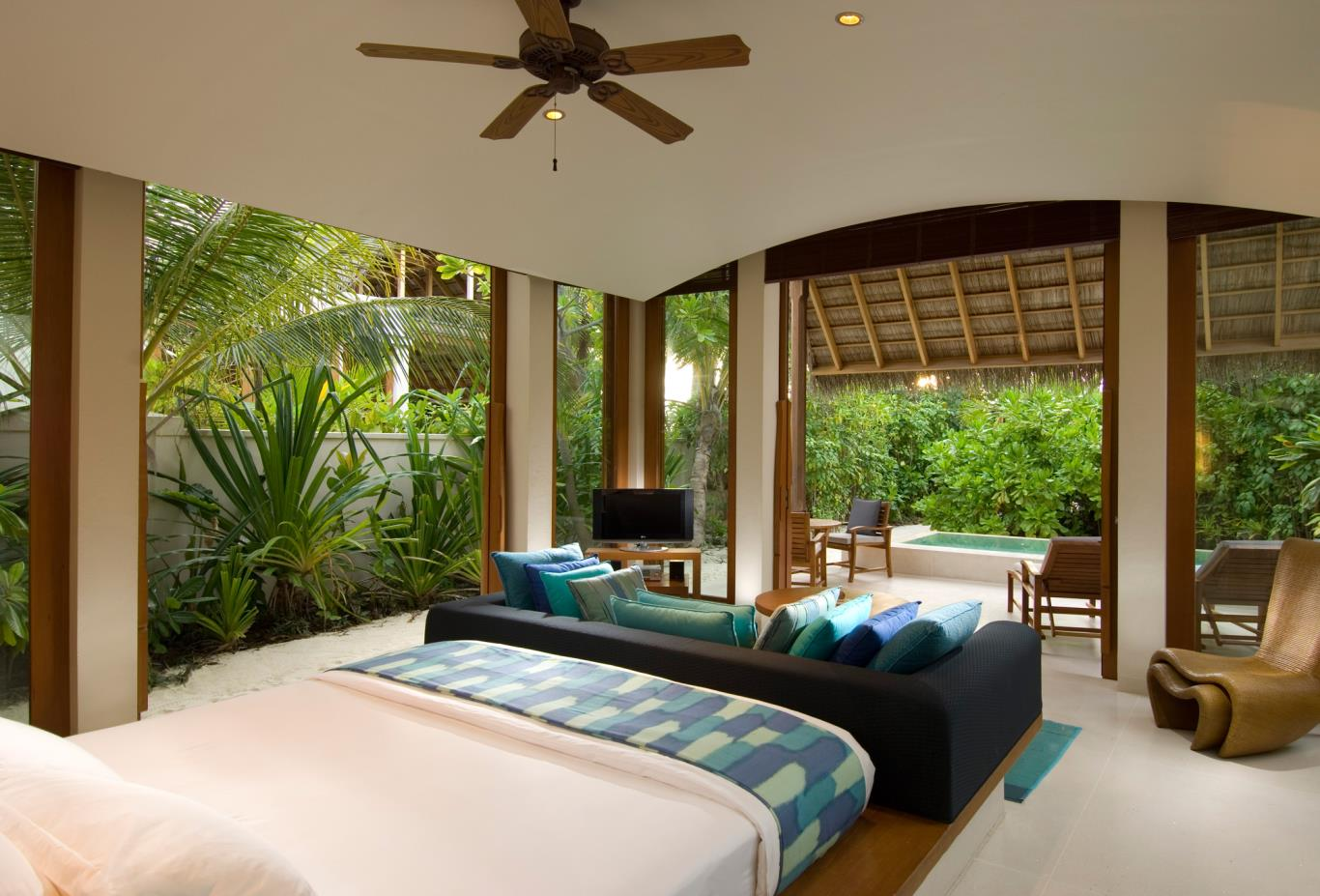 Deluxe Beach Villa Bedroom
