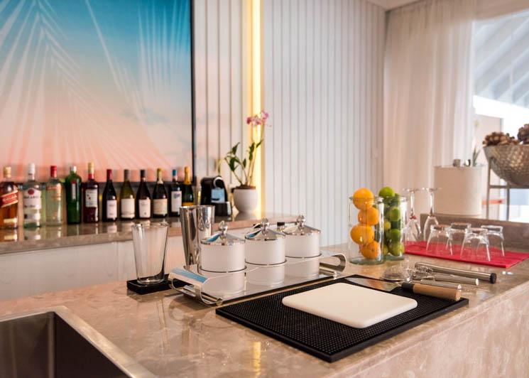 Lux Villa bar