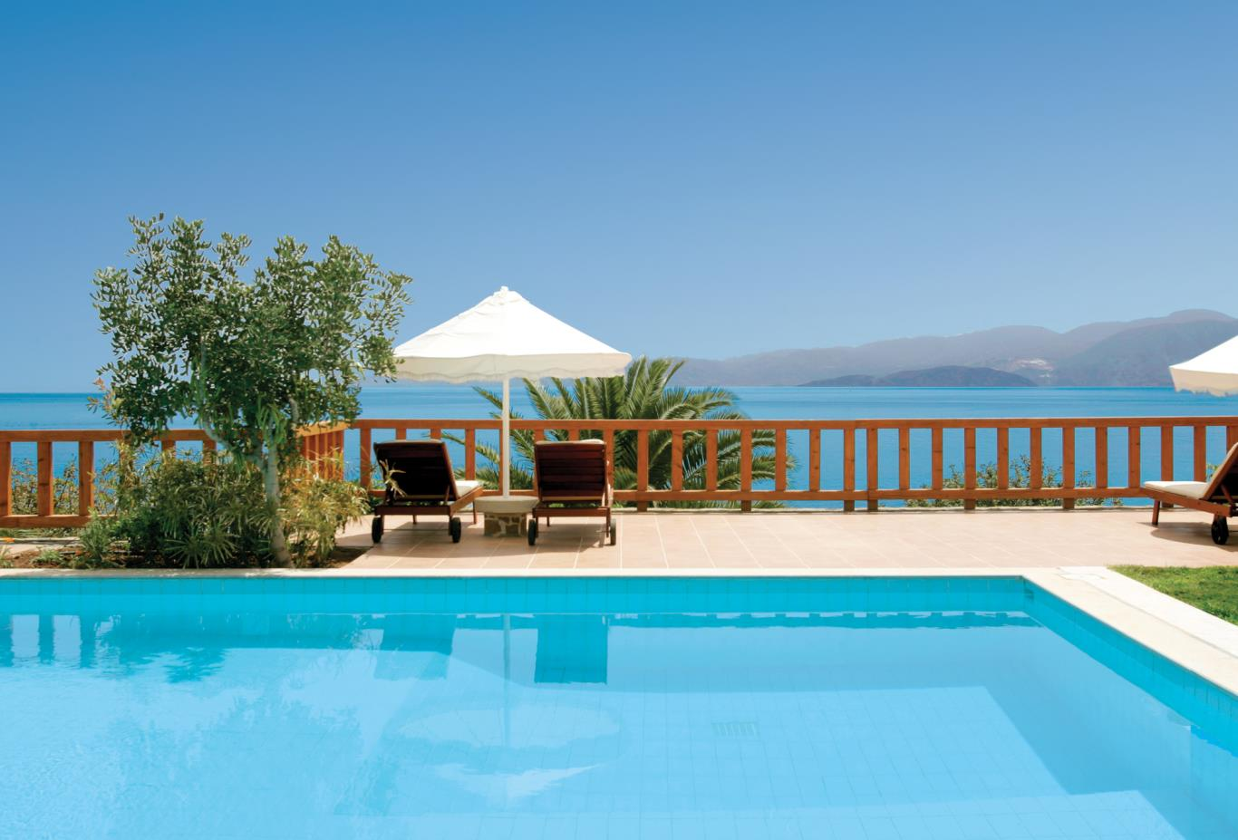 King Minos private pool