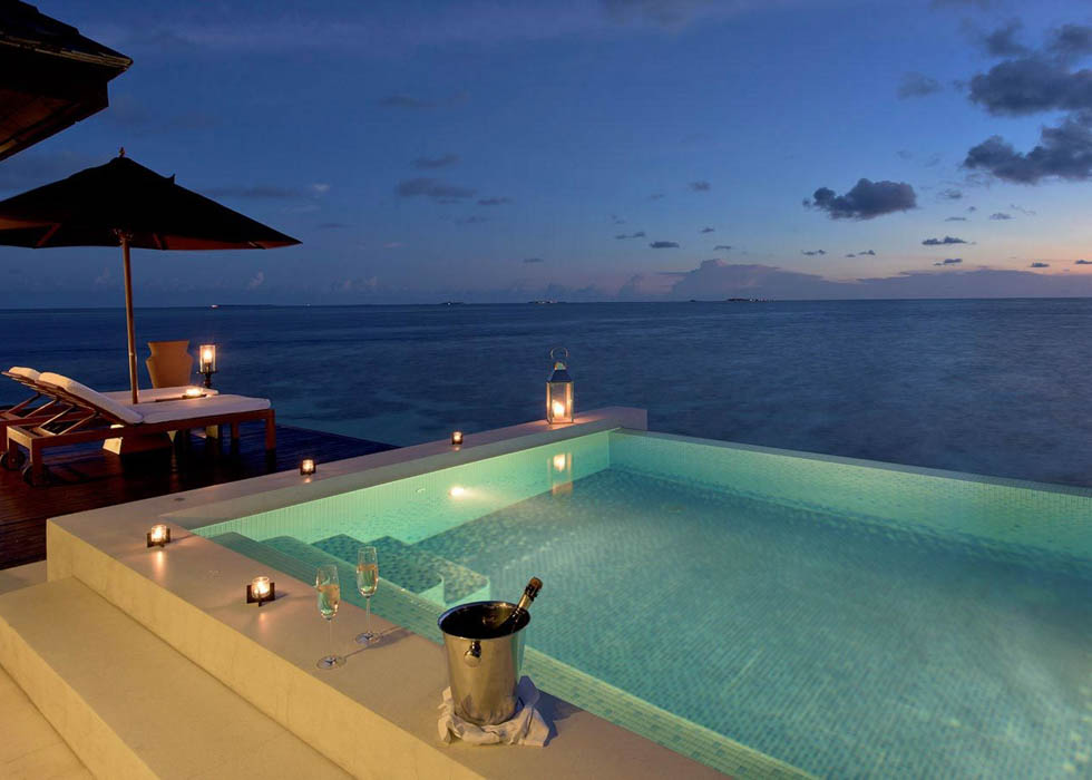 Sunset Water Villa pool