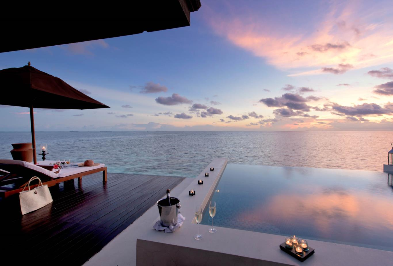 Sunset Water Suite Pool