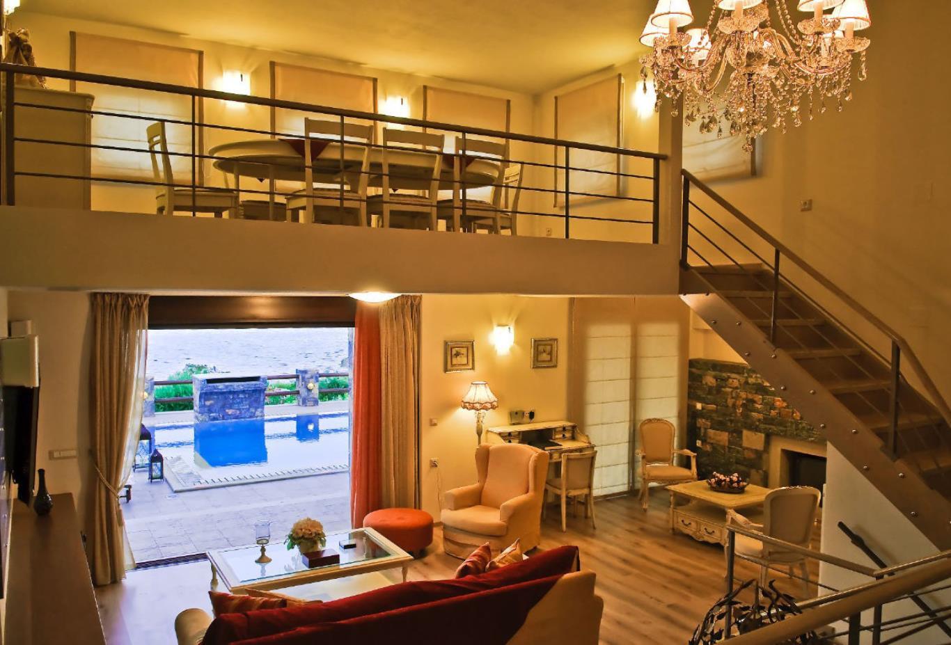 Villa Attic room