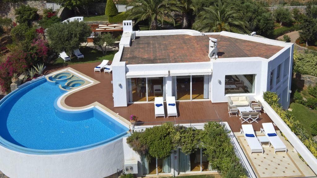 Four bedroom Royal Spa Pool Villa aerial view