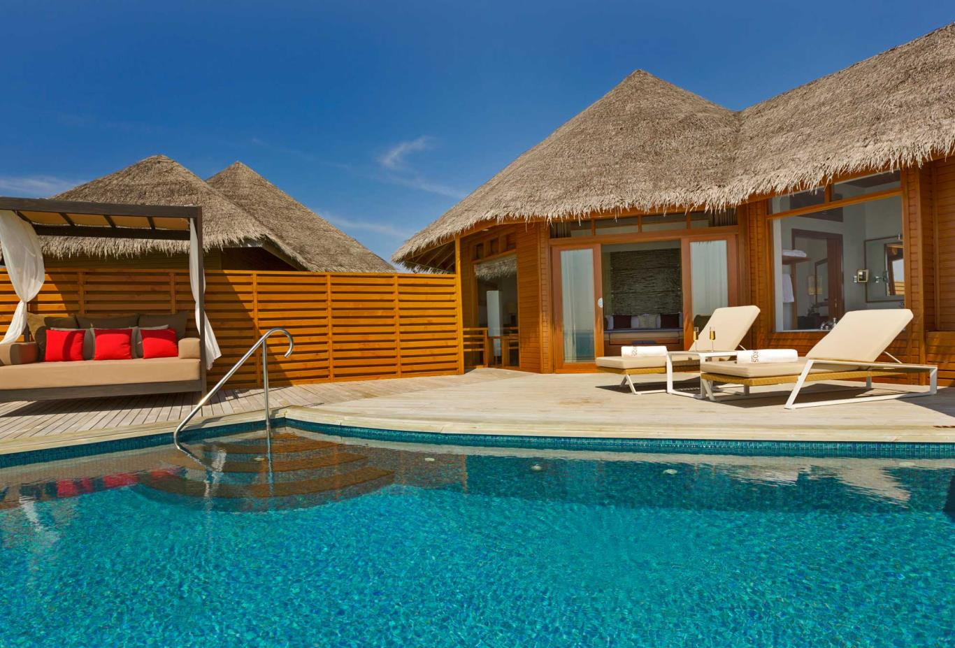 Pool Water Villa Exterior