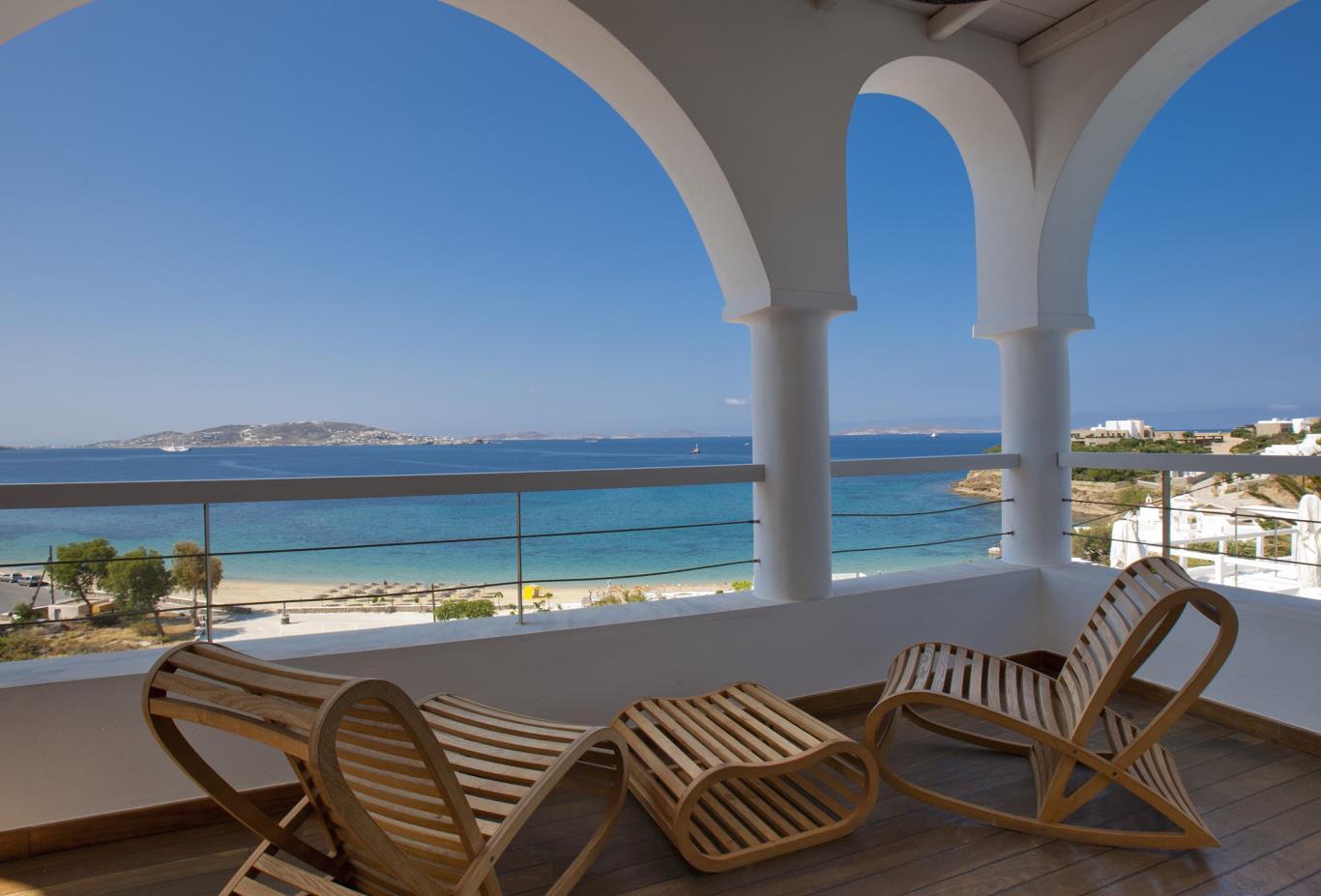 Mykonos-Suite-balcony