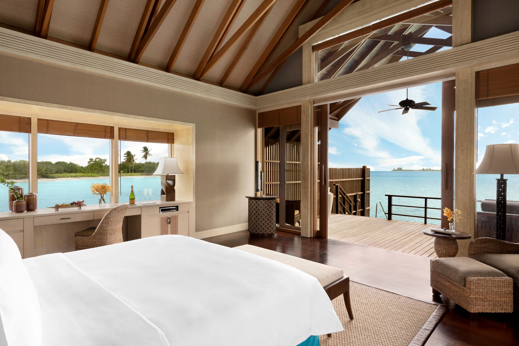 Water Villa   Bedroom