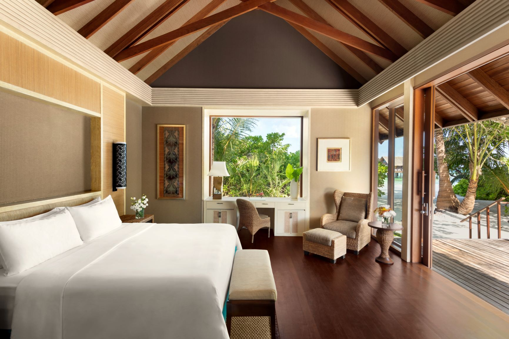 Two Bed Beach Villa   King Bedroom