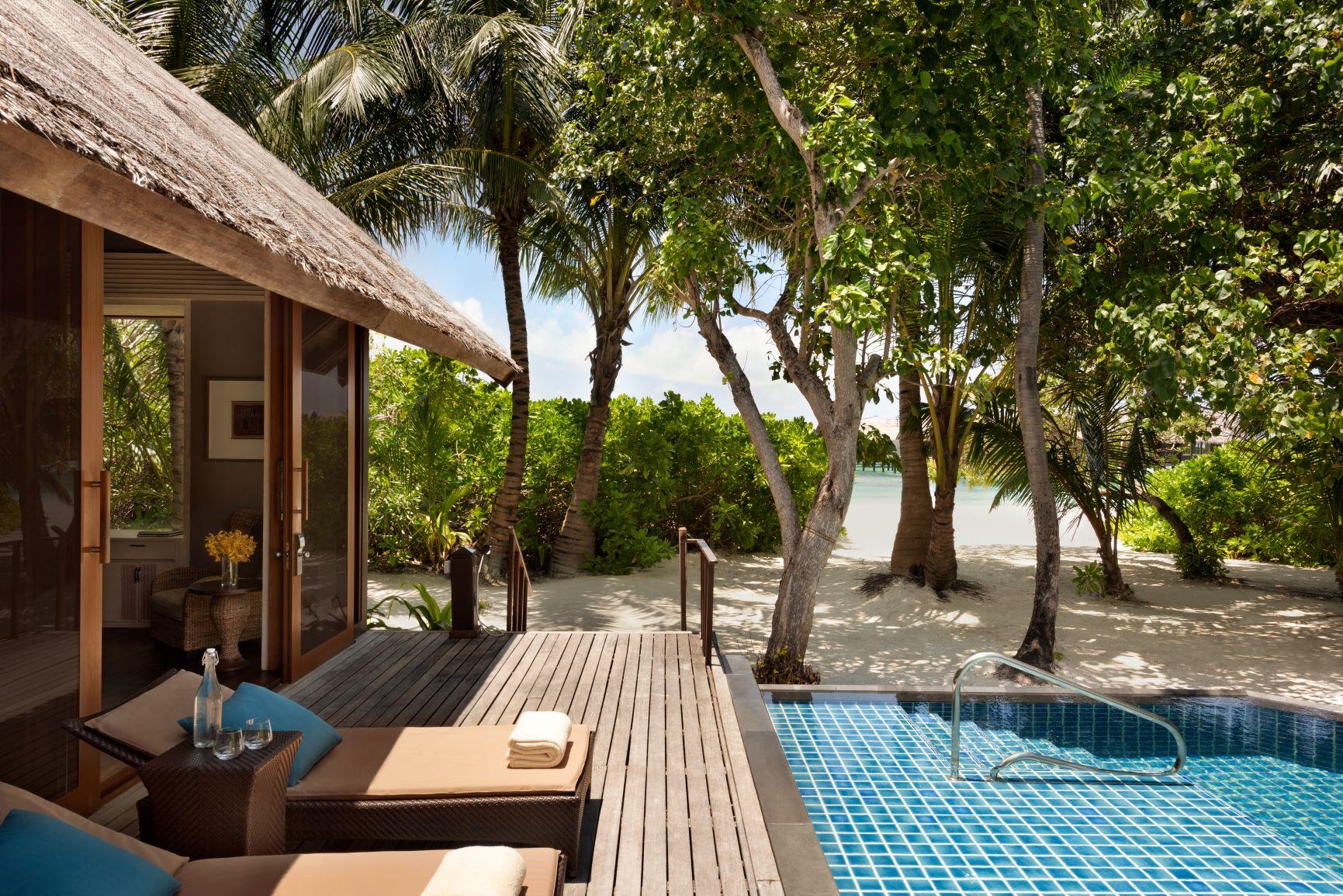 Two Bed Beach Villa   Deck