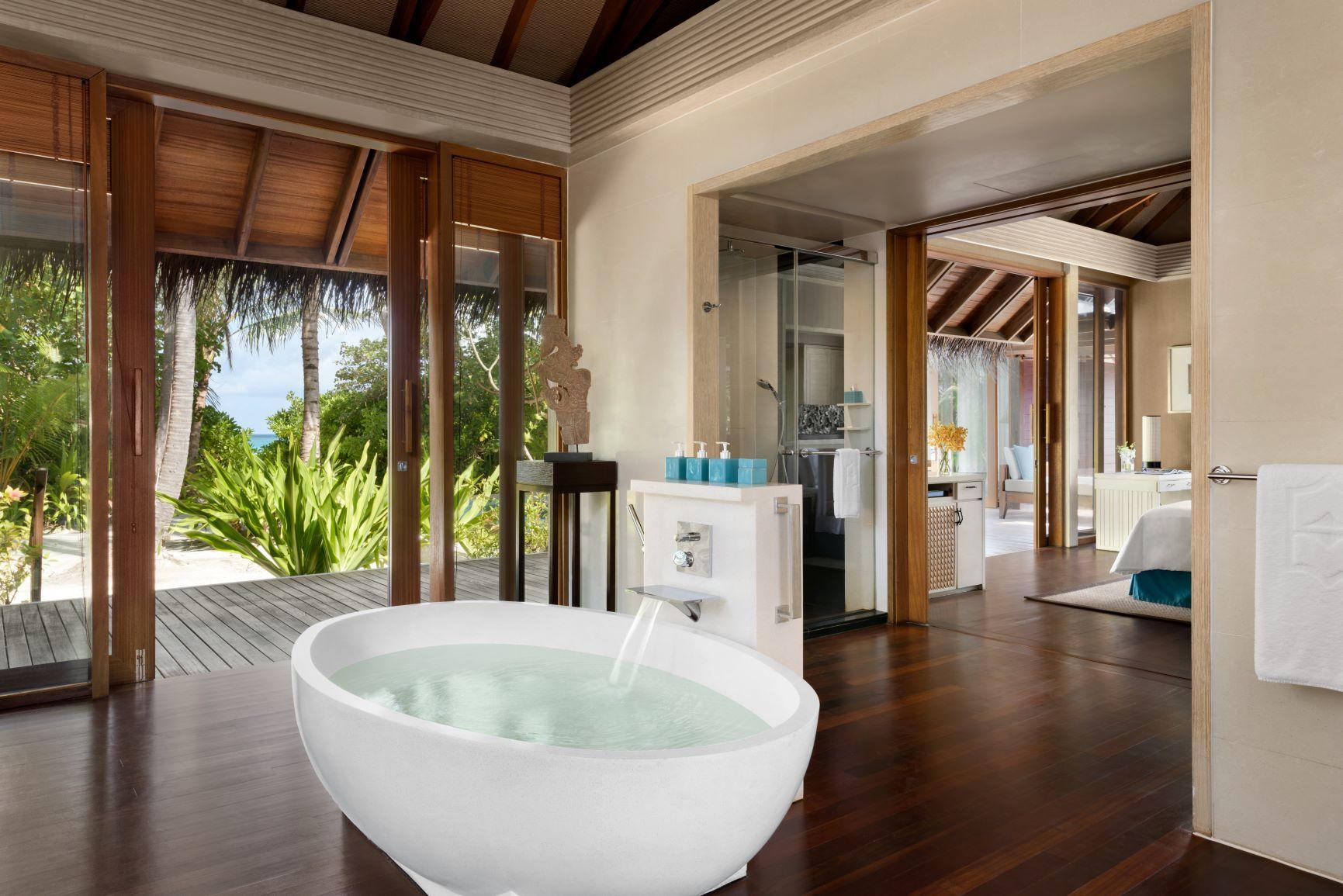 Beach Villa   Bathroom