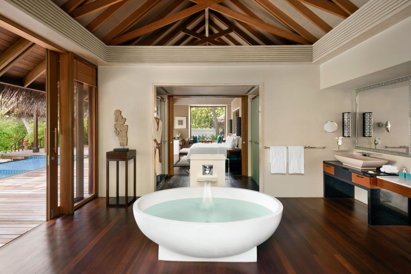 Deluxe Pool Villa   Bathroom