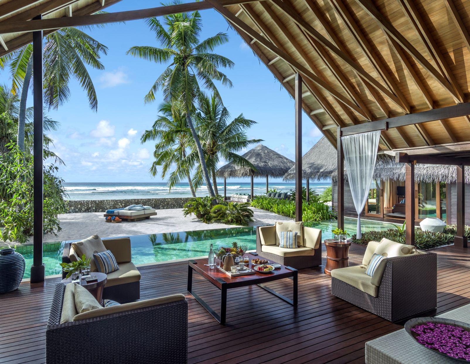 Villa Laalu deck