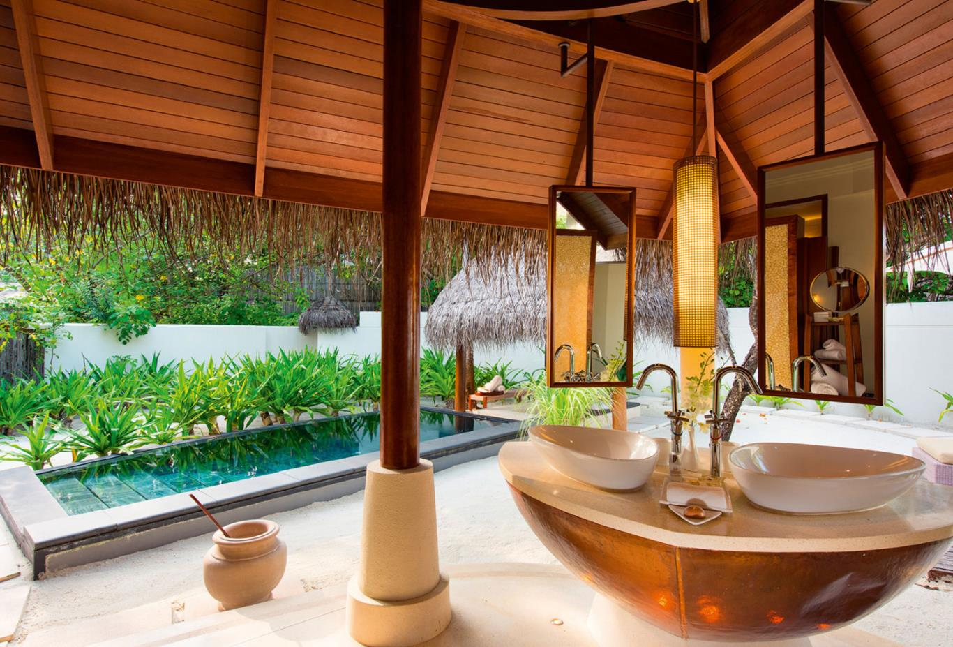 Family-villa-bathroom