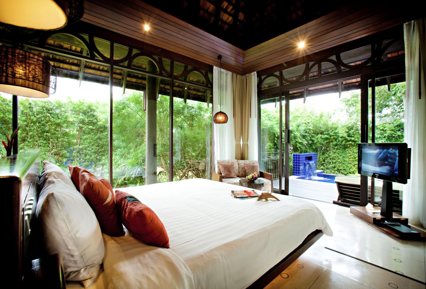 Deluxe Pool Villa Bedroom