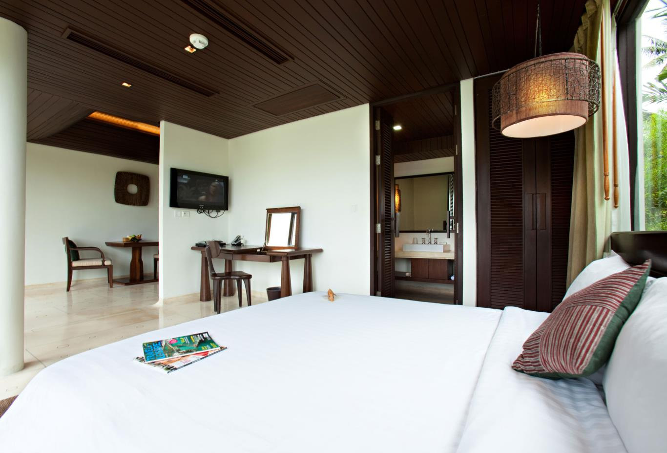 Prime Pool Villa Downstairs-Bedroom