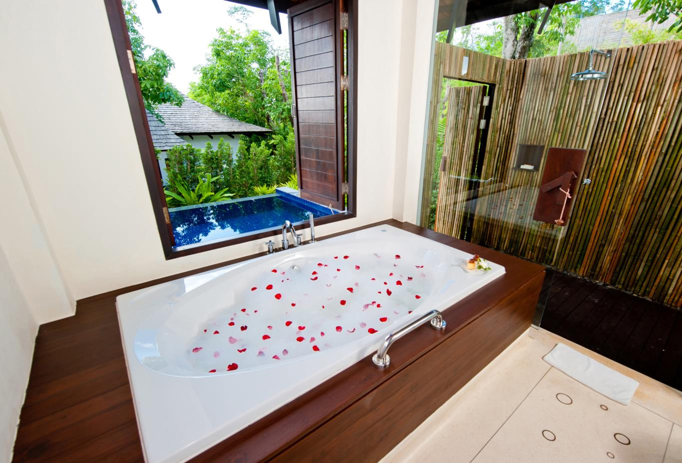 Deluxe-Pool-Villa-bathroom