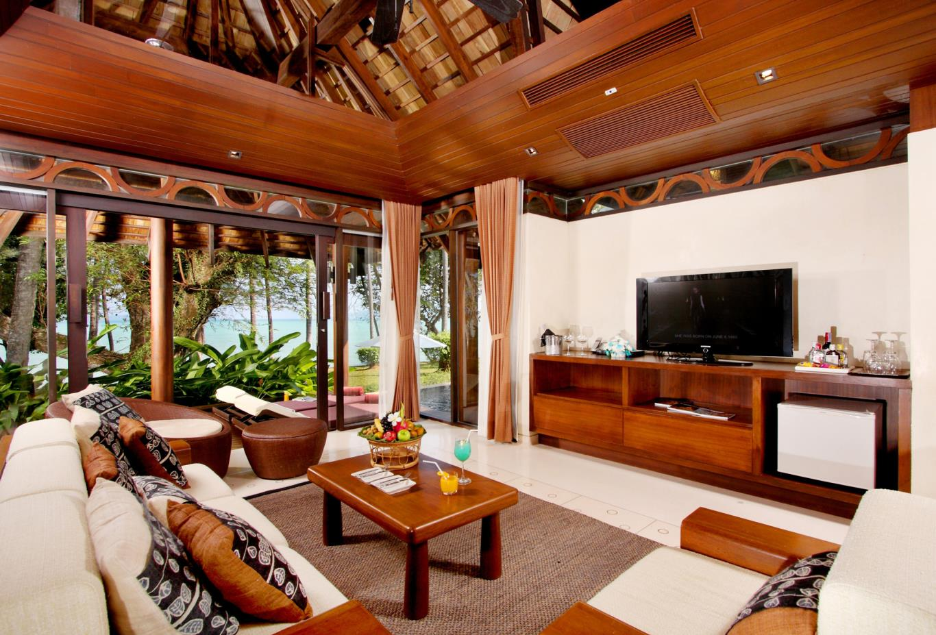 Vijitt-Pool-Villa-Livingroom