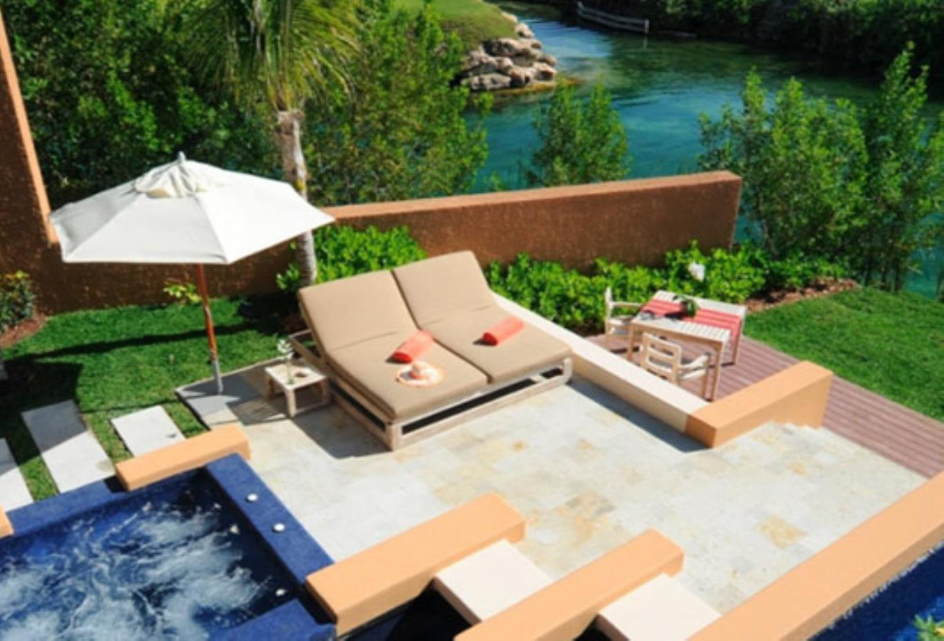 Sanctuary Spa Pool Villa