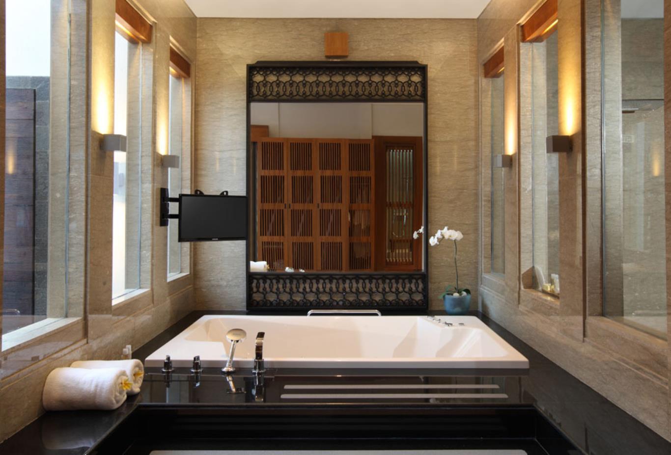 Jacuzzi Pool Villa