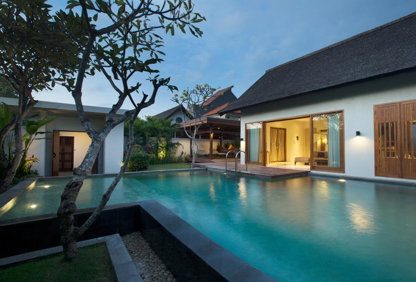 Royal Courtyard Villa Pool