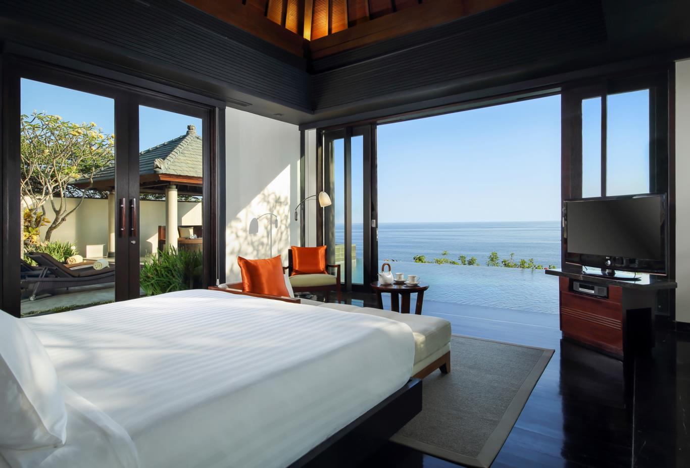 Pool Villa Cliff edge bedroom 2