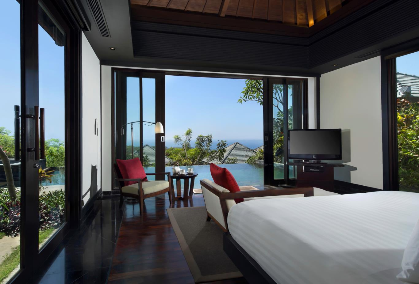 Pool Villa Sea bedroom