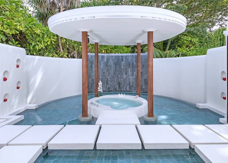 Beach pool villa master bathroom water feature