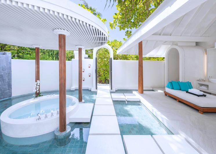 Beach pool villa master bathroom