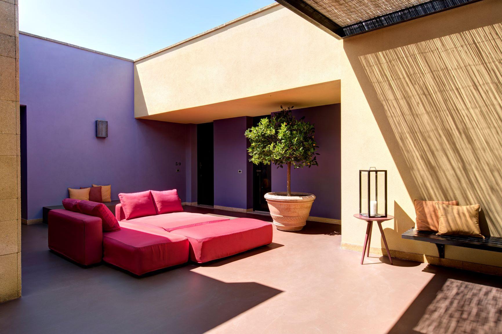 Villa Acacia daybed