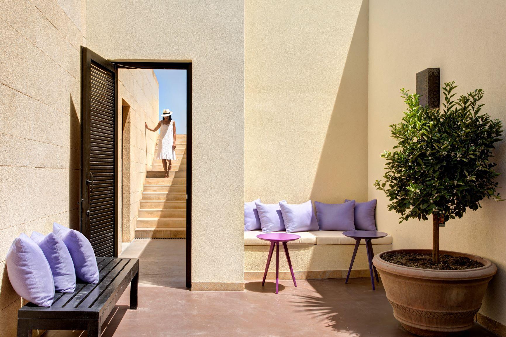 Villa Peonia courtyard
