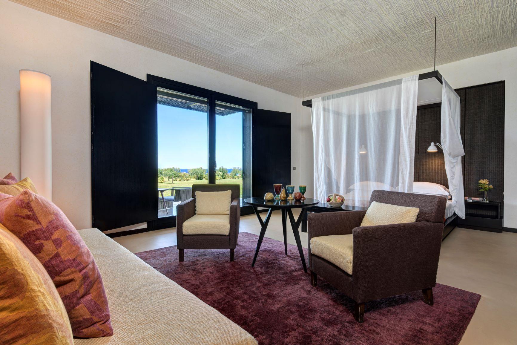 Villa Acacia bedroom living area
