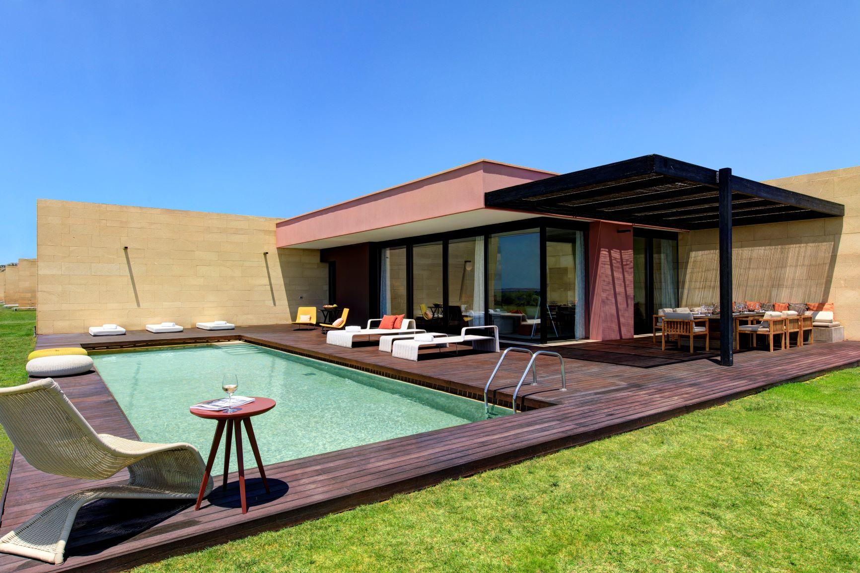 Villa Acacia swimming pool