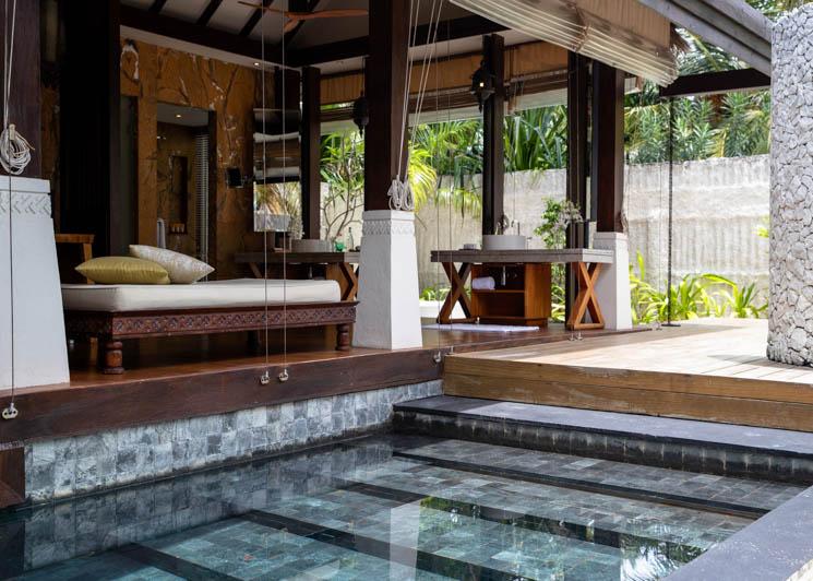 Beach Villa pool and bathroom