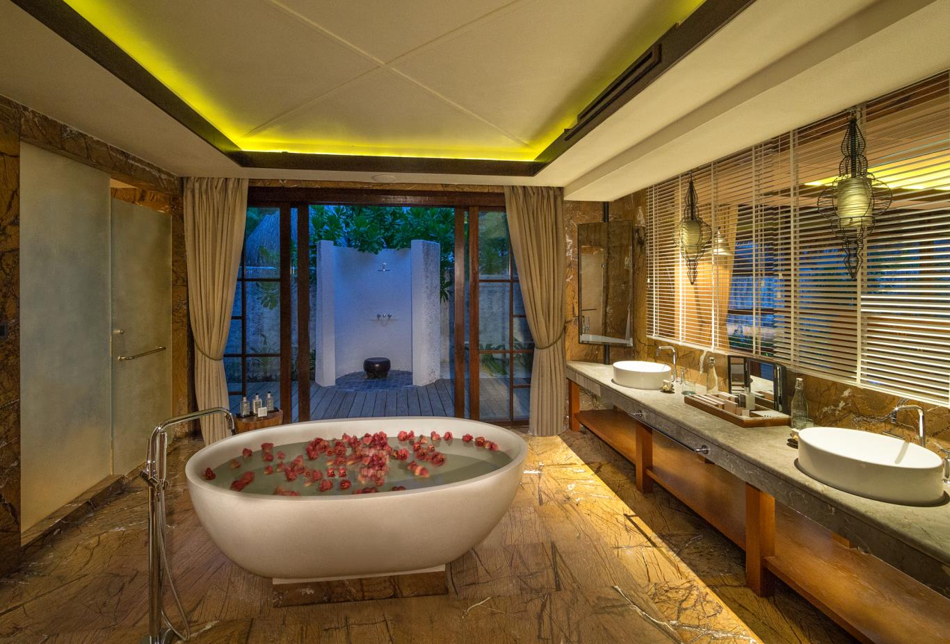 Royal Residence master bathroom