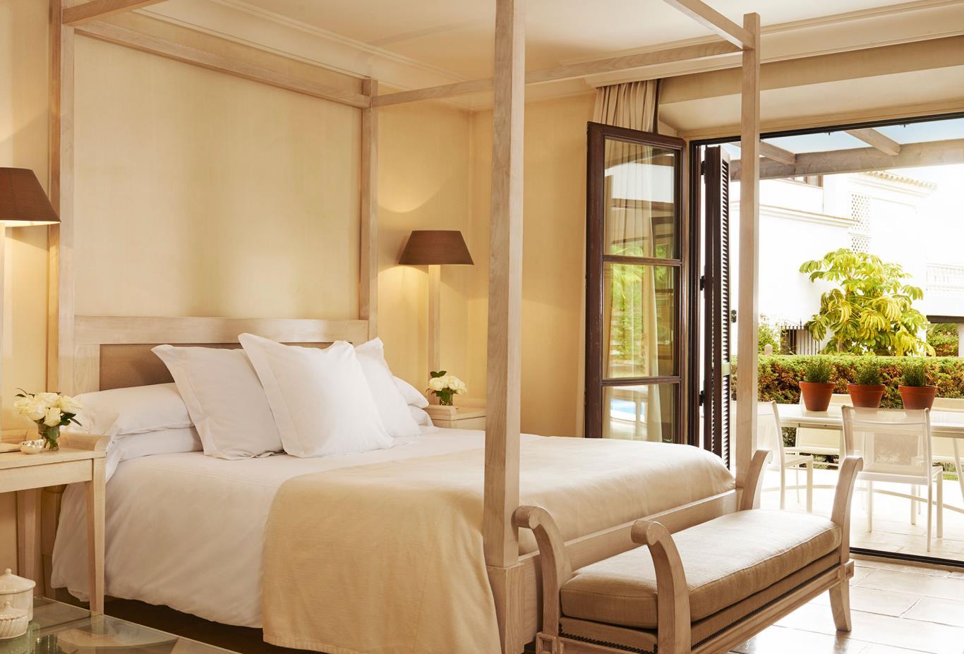 5 Bed Villa Bed