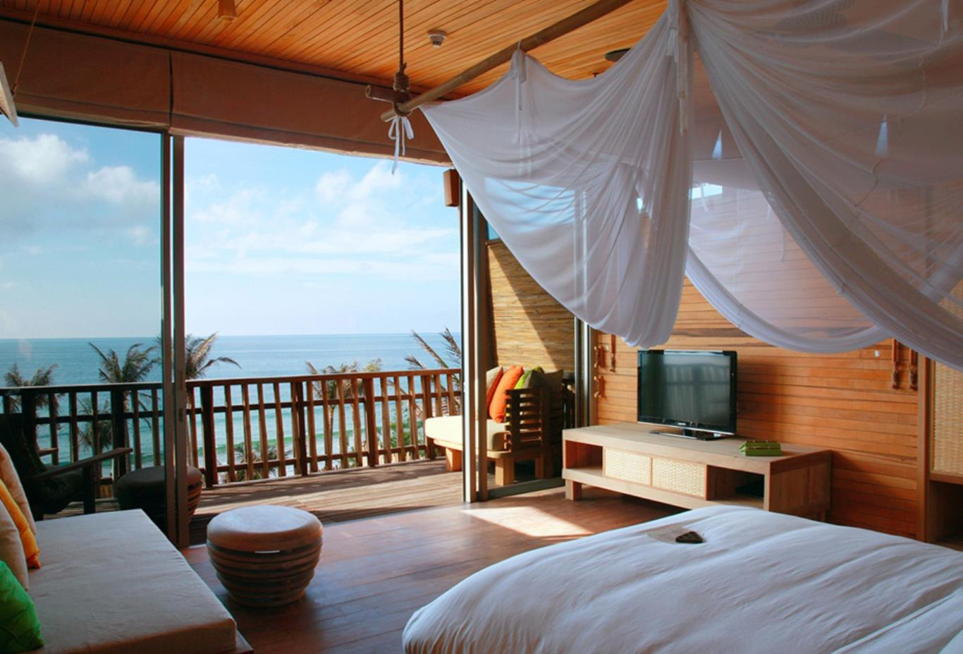 Ocean Front Duplex Pool Villa bedroom