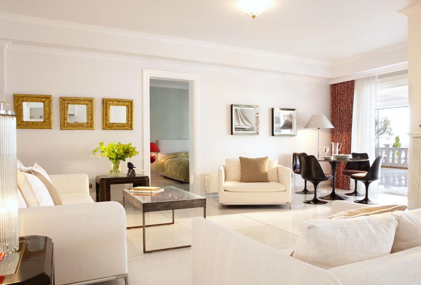 Mandarin Villa lounge
