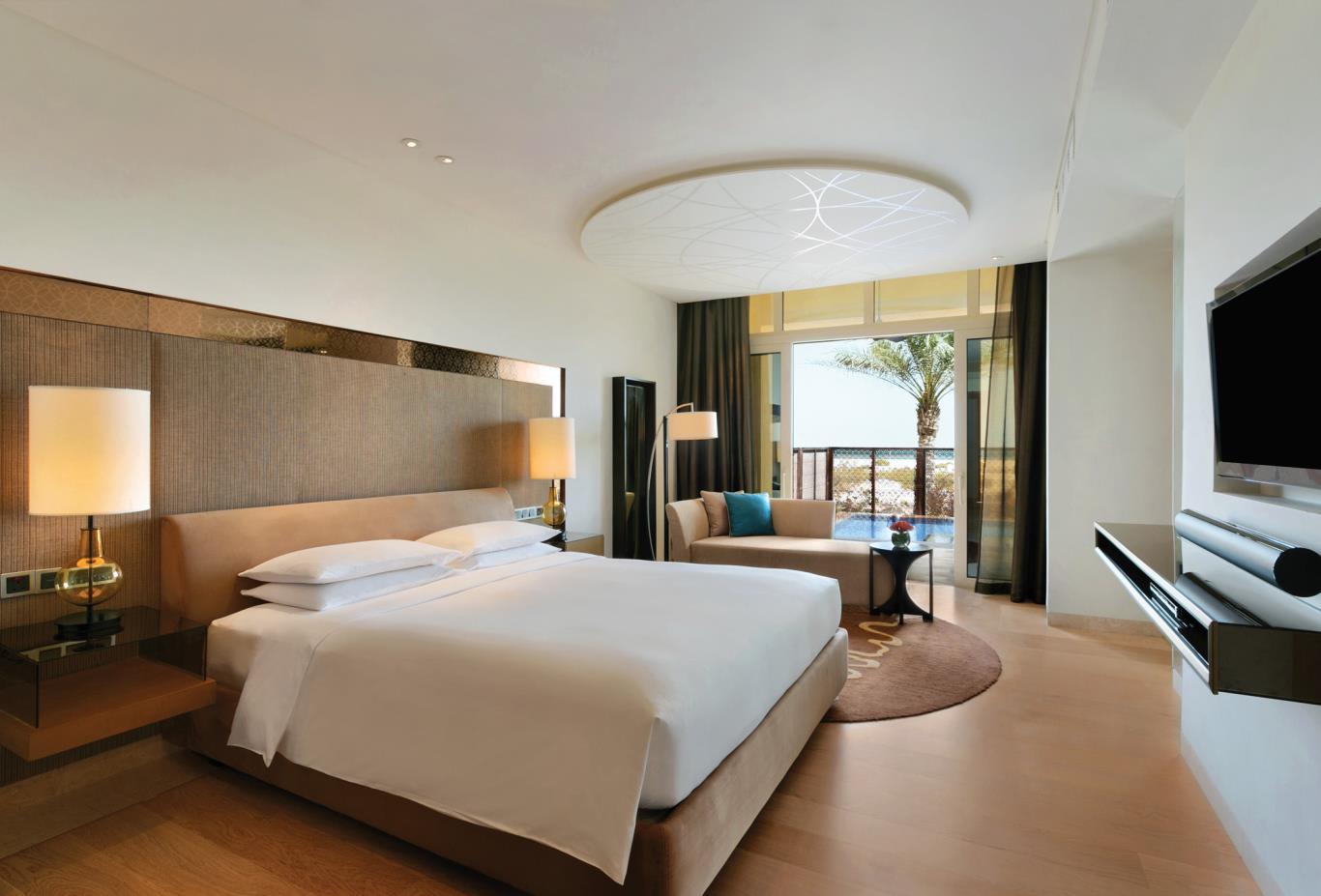 Beach view Suite Bedroom