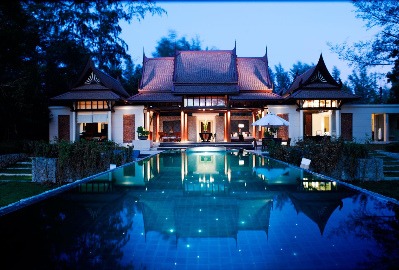 DoublePool Villa Exterior View