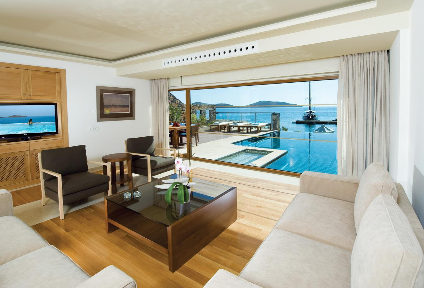 Diamond Residence Private Pool 5B lounge