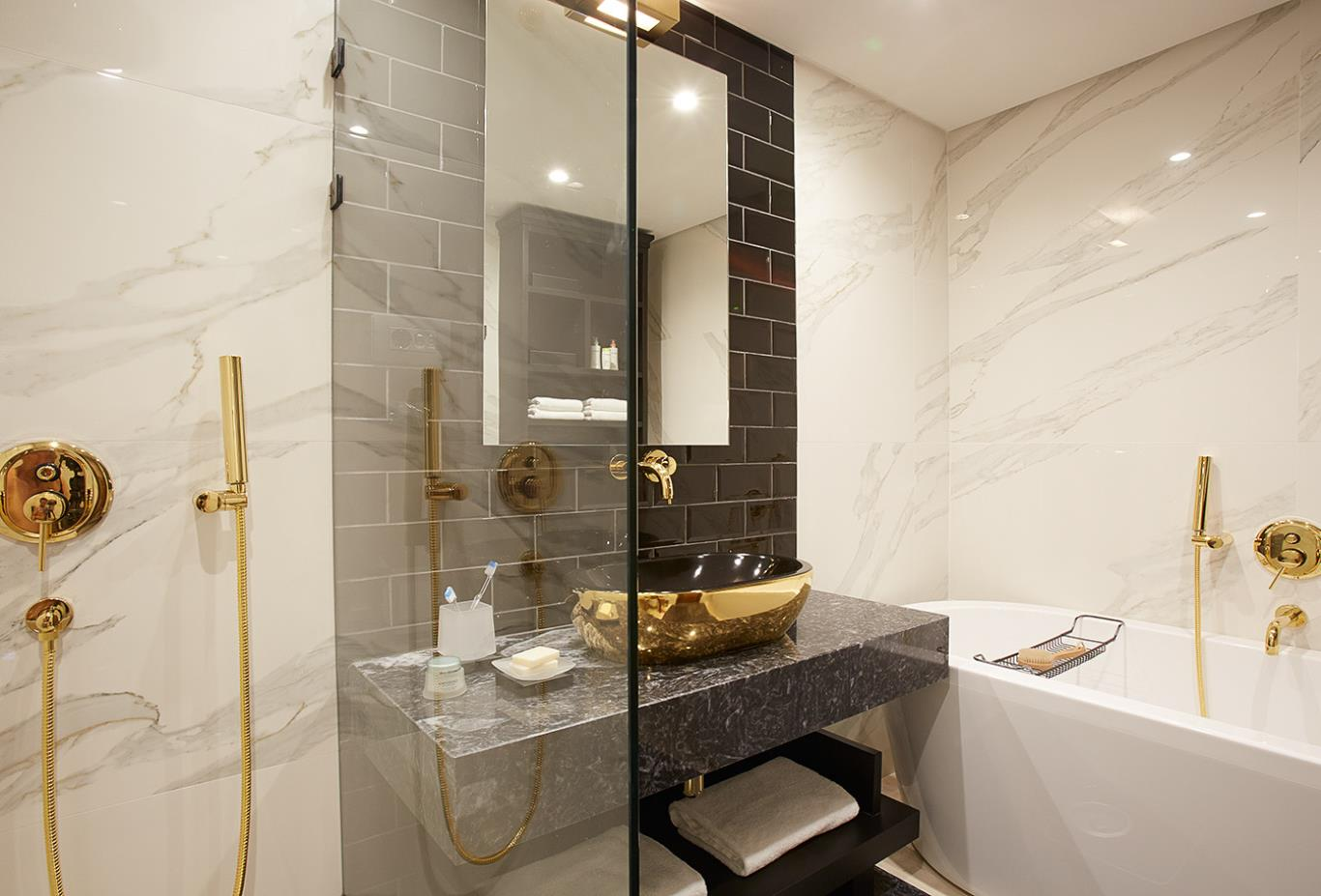 Luxury Residence  bathroom