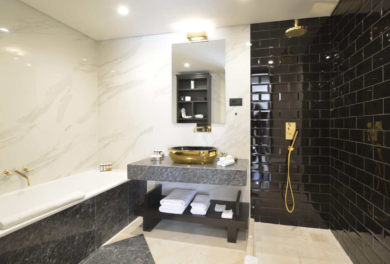 Luxury Residence bath