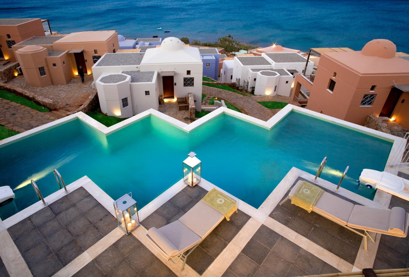 Three Bed Luxury Villa   private pool