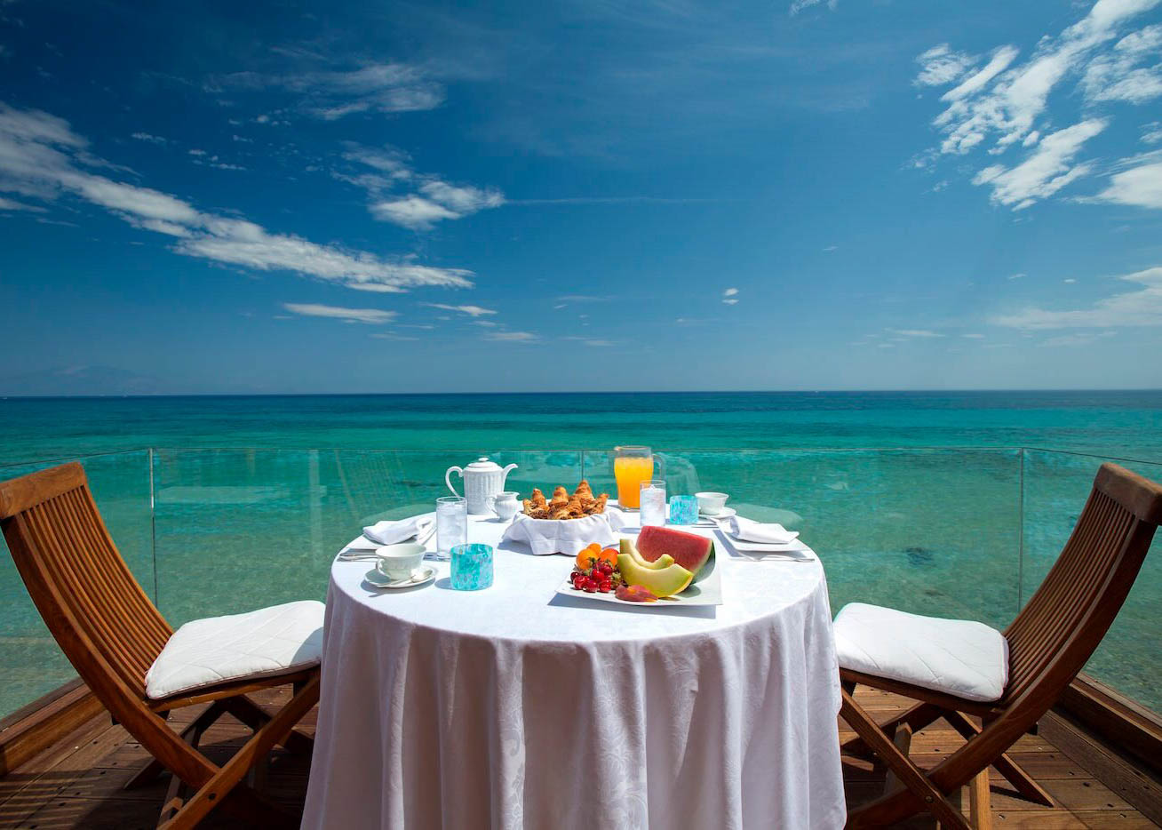 Grand Presidential Spa Villa   Breakfast on the Water's edge