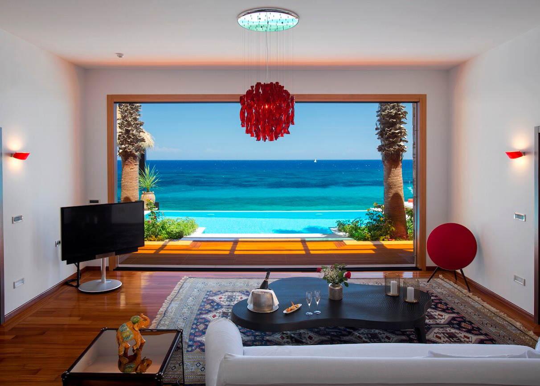 Royal Infinity Living room