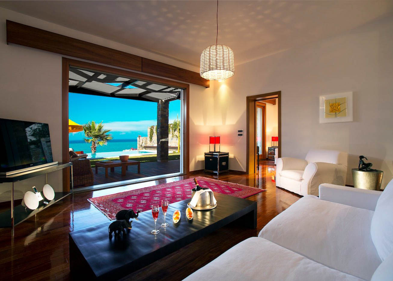 Grand Presidential Spa Villa   Living Room