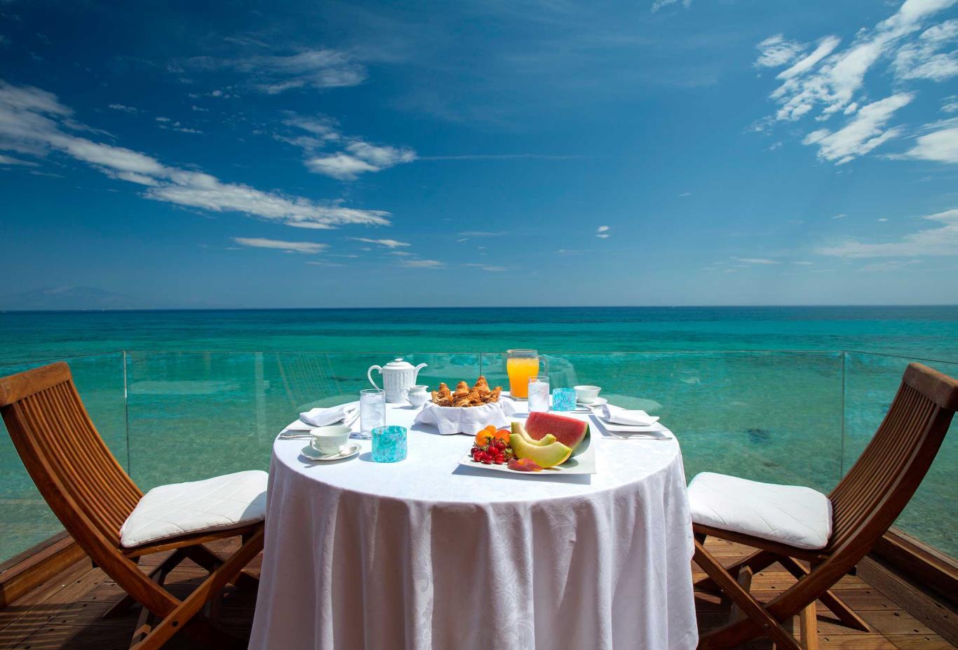 Royal Spa Villa in villa breakfast