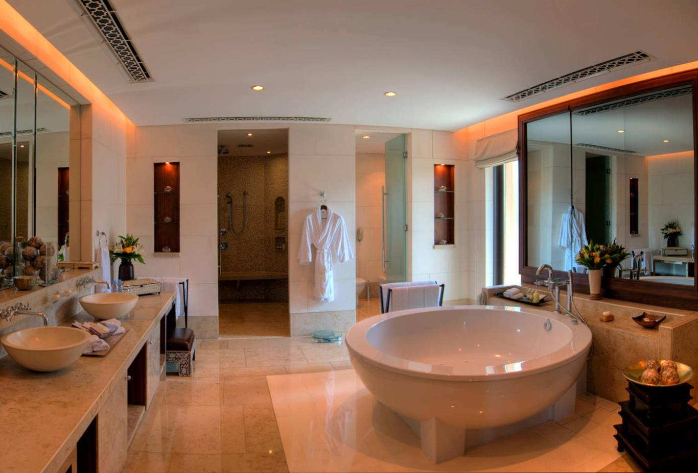 Royal Villa Bathroom